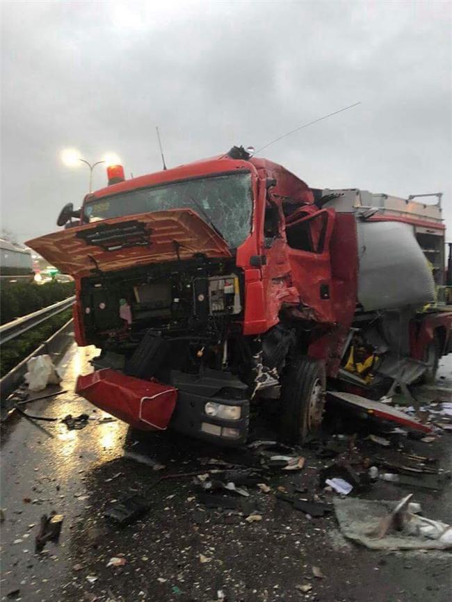 Danh tính 3 nạn nhân tử vong trong các vụ tai nạn xảy ra cùng một buổi chiều trên cao tốc Pháp Vân - Cầu Giẽ - Ảnh 3.