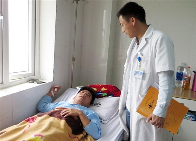 thấy giáo tát học sinh,Nghệ An,đánh gãy sống mũi