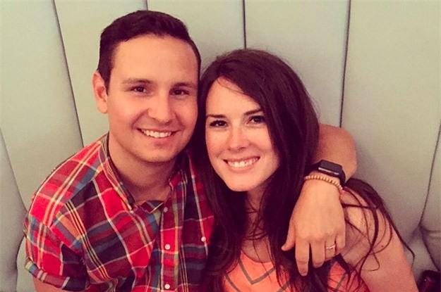 """Chồng tí tởn chụp ảnh selfie lúc vợ tái mặt đau đẻ còn khoe lên mạng, ai cũng lo lắng cho """"tính mạng"""" của anh sau đó - Ảnh 2."""