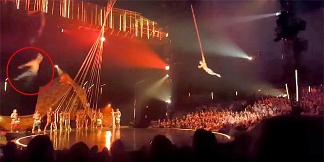 Gặp sự cố bất ngờ, diễn viên xiếc đu dây té xuống đất tử vong trước sự chứng kiến kinh hoàng của khán giả - Ảnh 3.