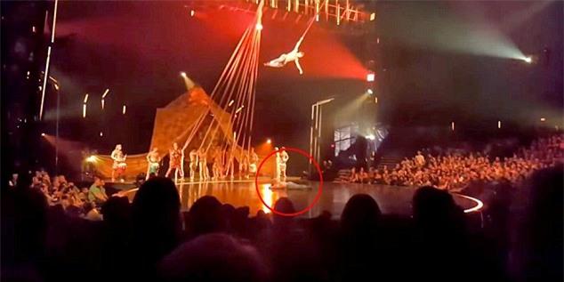 Gặp sự cố bất ngờ, diễn viên xiếc đu dây té xuống đất tử vong trước sự chứng kiến kinh hoàng của khán giả - Ảnh 4.