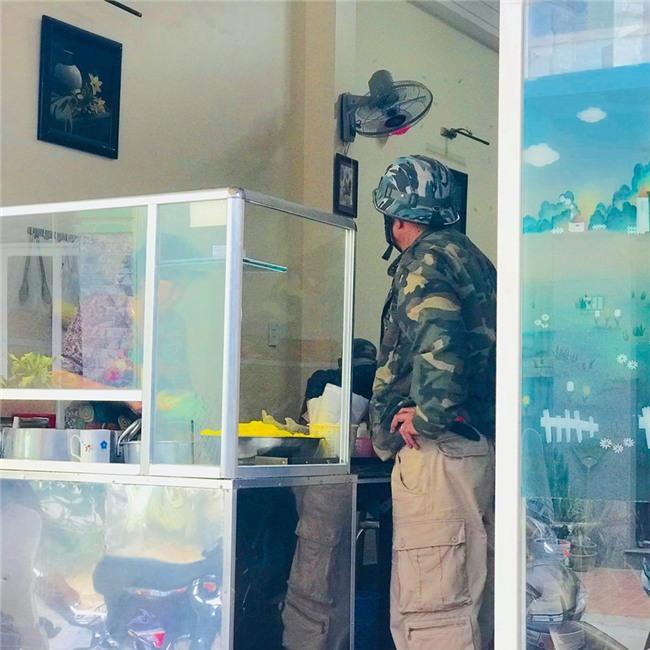 Câu chuyện về chú xe ôm tốt bụng ở Đà Lạt, rong ruổi khắp các ngả đường để đưa khách đi mua thuốc, cháo cho người ốm mà không lấy thêm tiền - Ảnh 2.