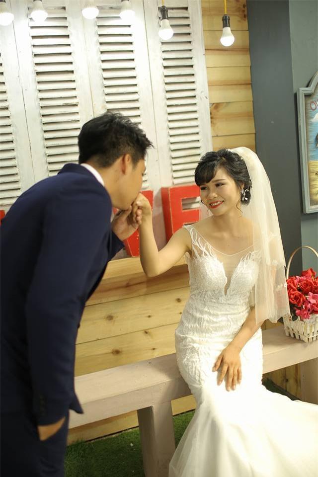 Đi nghĩa vụ quân sự chàng dặn bạn gái Em lấy chồng nhớ báo, nàng đáp lại một câu mà 2 năm sau cưới chung một ngày - Ảnh 2.