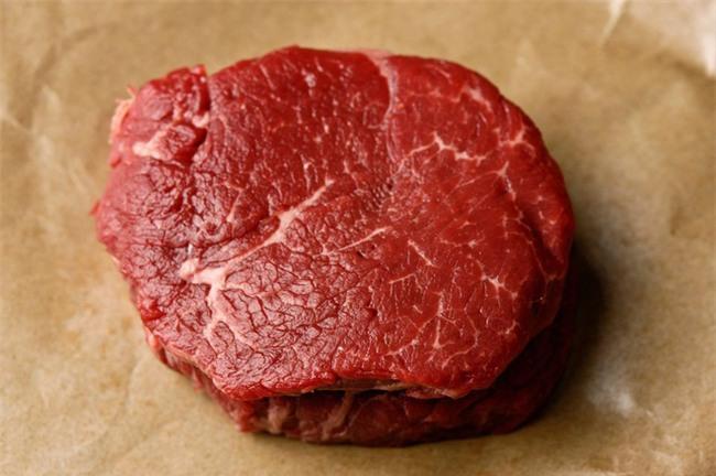 Mua phải thịt bò dai chỉ cần áp dụng vài tuyệt chiêu này thì bò lại mềm như lụa - Ảnh 1.