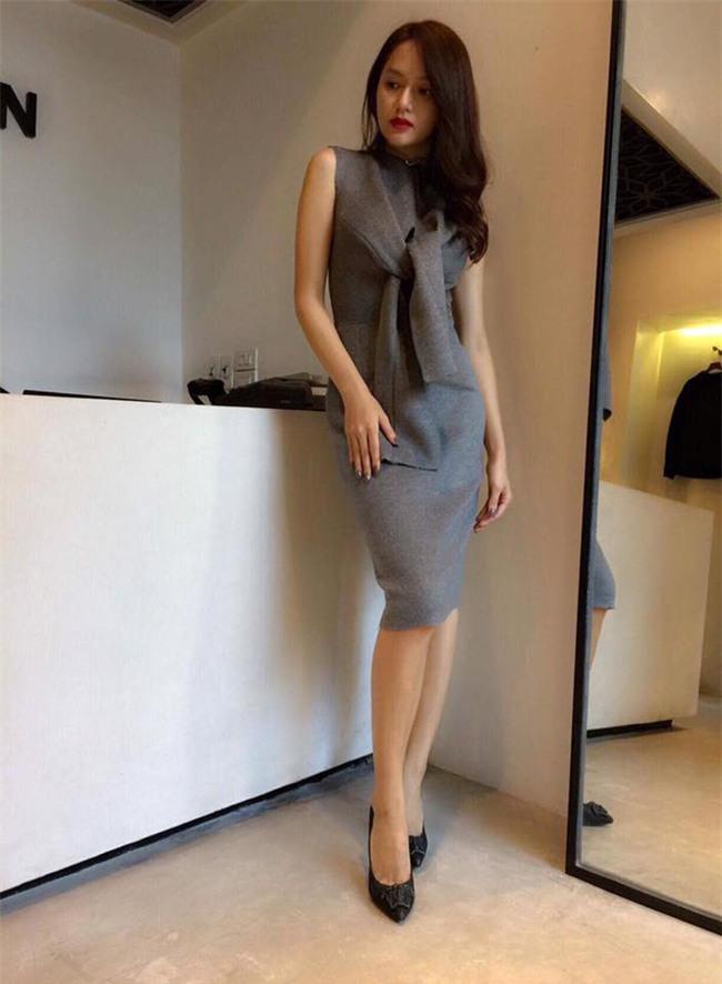 Sau ngày đăng quang, Hoa hậu Hương Giang vẫn chăm diện lại đồ cũ - Ảnh 7.