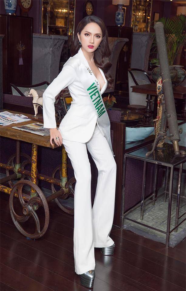 Sau ngày đăng quang, Hoa hậu Hương Giang vẫn chăm diện lại đồ cũ - Ảnh 10.