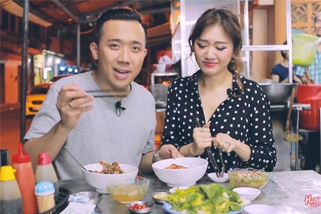 Bình thường khí chất ngời ngời mà khi ở bên đồ ăn sao Việt bỗng thần thái bá đạo lạ thường - Ảnh 11.