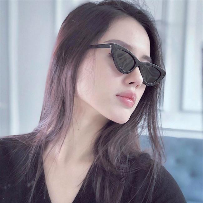 Đã qua rồi thời son lì, loạt người đẹp Việt đang chạy theo xu hướng son bóng nhẫy khoe môi gợi cảm - Ảnh 10.