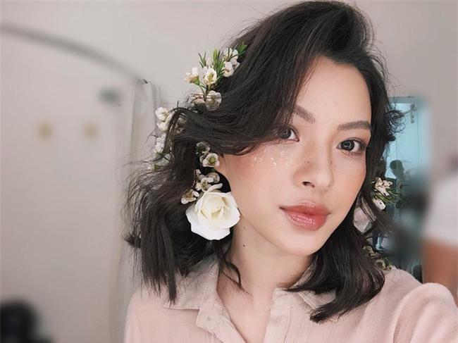 Đã qua rồi thời son lì, loạt người đẹp Việt đang chạy theo xu hướng son bóng nhẫy khoe môi gợi cảm - Ảnh 8.