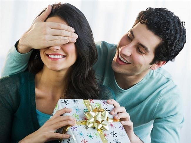 """Bắt bài những biểu hiện chồng """"ăn vụng"""" để hội chị em phòng tránh - Ảnh 2."""