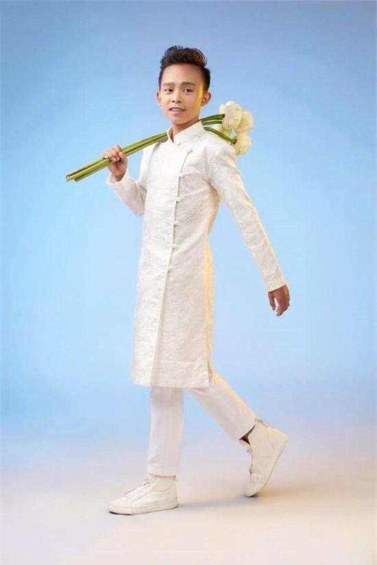 Hồ Văn Cường cao lớn, lột xác điển trai hẳn ra sau 2 năm trở thành quán quân Vietnam Idol Kid - Ảnh 5.