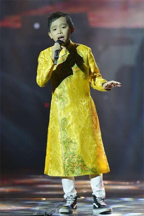 Hồ Văn Cường cao lớn, lột xác điển trai hẳn ra sau 2 năm trở thành quán quân Vietnam Idol Kid - Ảnh 6.
