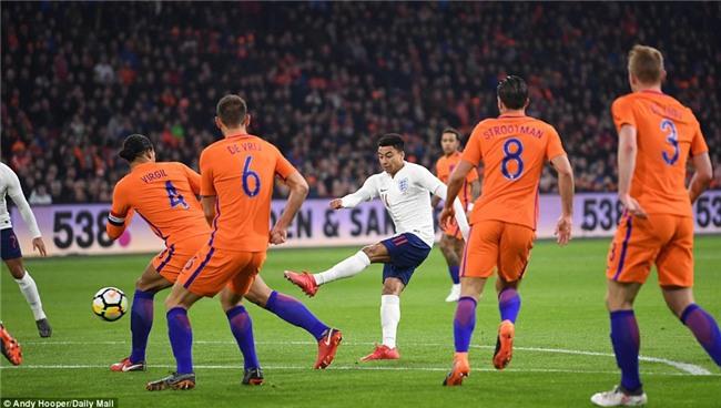 Sao trẻ Man Utd ghi bàn đầu tiên cho tuyển Anh - Ảnh 4.