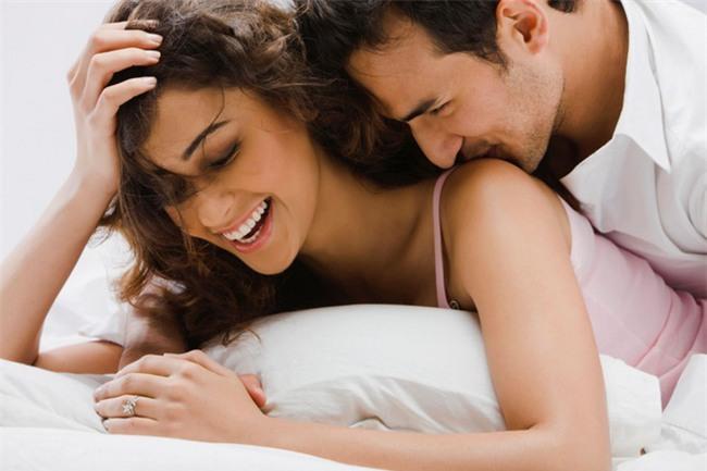 5 câu nói ngọt lịm mà bất cứ người đàn ông nào cũng muốn được phụ nữ nỉ non bên tai - Ảnh 1.