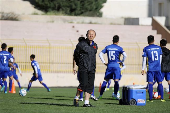 HLV Park Hang Seo yêu cầu các học trò hạ nhiệt trước trận đấu Jordan - Ảnh 3.
