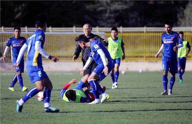 HLV Park Hang Seo yêu cầu các học trò hạ nhiệt trước trận đấu Jordan - Ảnh 6.