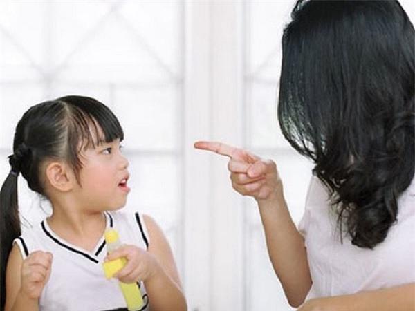 "ly do dang suy ngam khien cha me viet nen ngung ngay viec noi ""dung nghich, con!"" - 1"