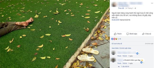 Người bán hàng rong tranh thủ ngủ trưa ở một công viên dành cho trẻ em vẫn không quên bỏ dép ngoài bãi cỏ khiến dân mạng xúc động - Ảnh 1.