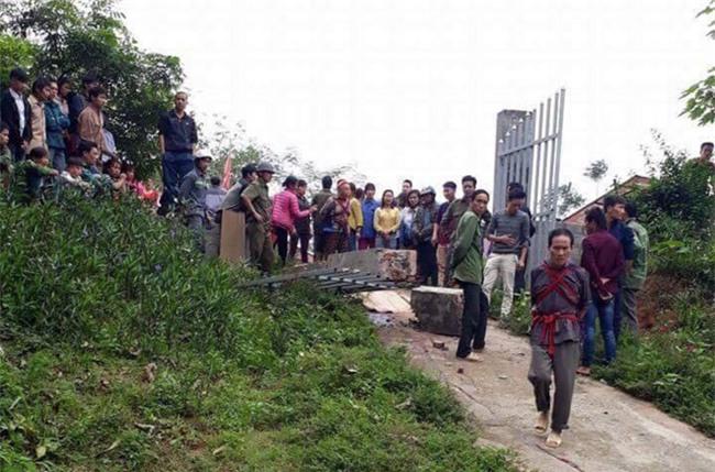 Thương tâm: Cổng trường đè chết bé trai 8 tuổi