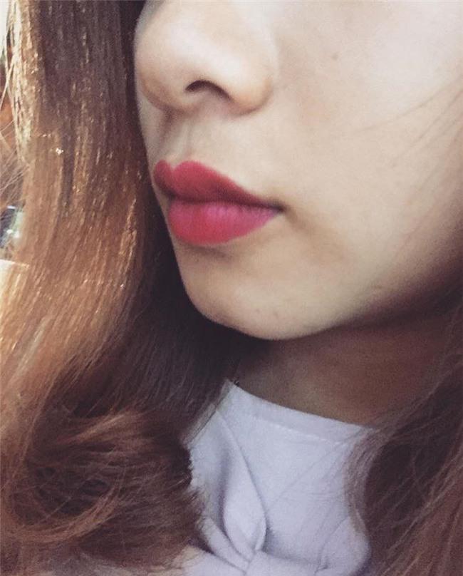 Khoe môi gợi cảm tiện thể khoe luôn ria mép, cô gái khiến cư dân mạng mắt xem ảnh tay nhặt mồm vì cười - Ảnh 10.