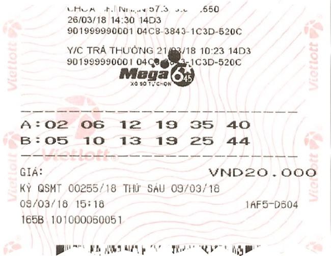 Nữ nhân viên văn phòng tay run run nhận jackpot 64 tỉ của Vietlott