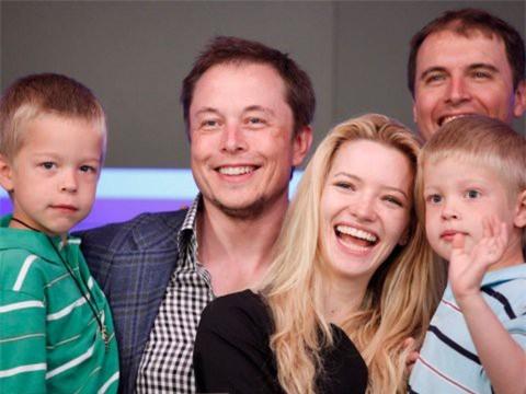 Hành trình kiếm tiền hơn 30 năm của Elon Musk: 12 tuổi tự học lập trình, không ngại lao động chân tay, build PC phục vụ sinh viên khác - Ảnh 15.