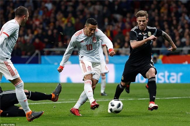 Messi ngồi khán đài, chứng kiến Argentina bị Tây Ban Nha hủy diệt - Ảnh 10.