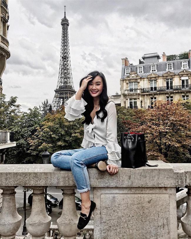 Sơmi cách điệu + quần jeans: quý cô châu Á đang khởi động mùa hè bằng combo điệu đà mà năng động này - Ảnh 13.