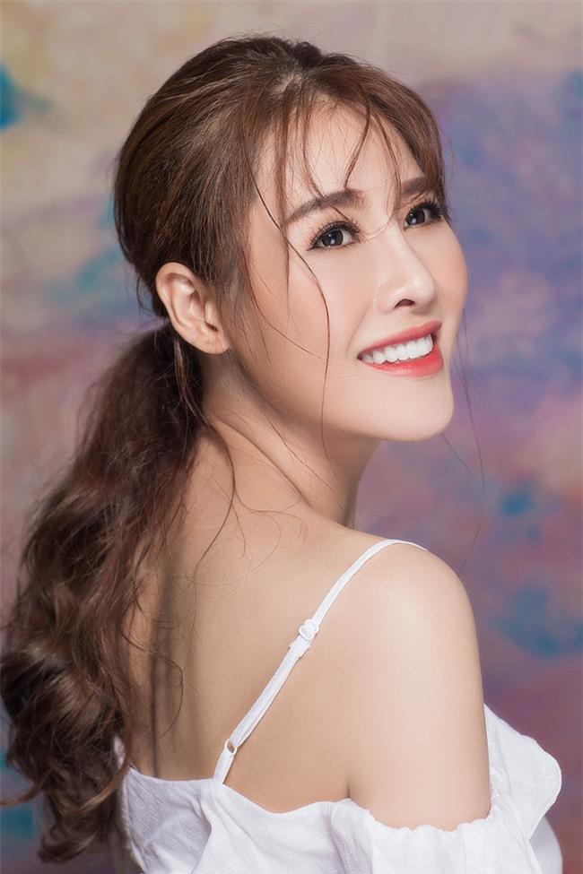 Cách sao Việt đối diện với tin đồn bán dâm, làm má mì dẫn khách - Ảnh 3.
