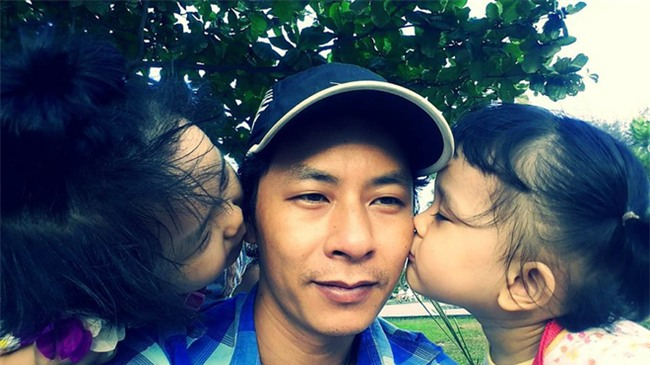Clip 2 con gái vừa khám vết thương cho bố vừa khóc nhè bất ngờ được share dữ dội trên MXH - Ảnh 2.