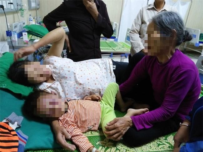 Xót cảnh bé trai 2 tuổi đẻ ra không biết mặt cha, đến khi mẹ lấy chồng thì bị cha dượng đánh đập phải nhập viện cấp cứu - Ảnh 2.