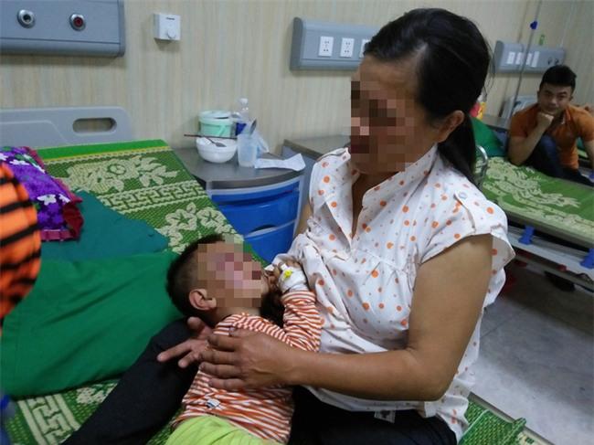 Xót cảnh bé trai 2 tuổi đẻ ra không biết mặt cha, đến khi mẹ lấy chồng thì bị cha dượng đánh đập phải nhập viện cấp cứu - Ảnh 5.
