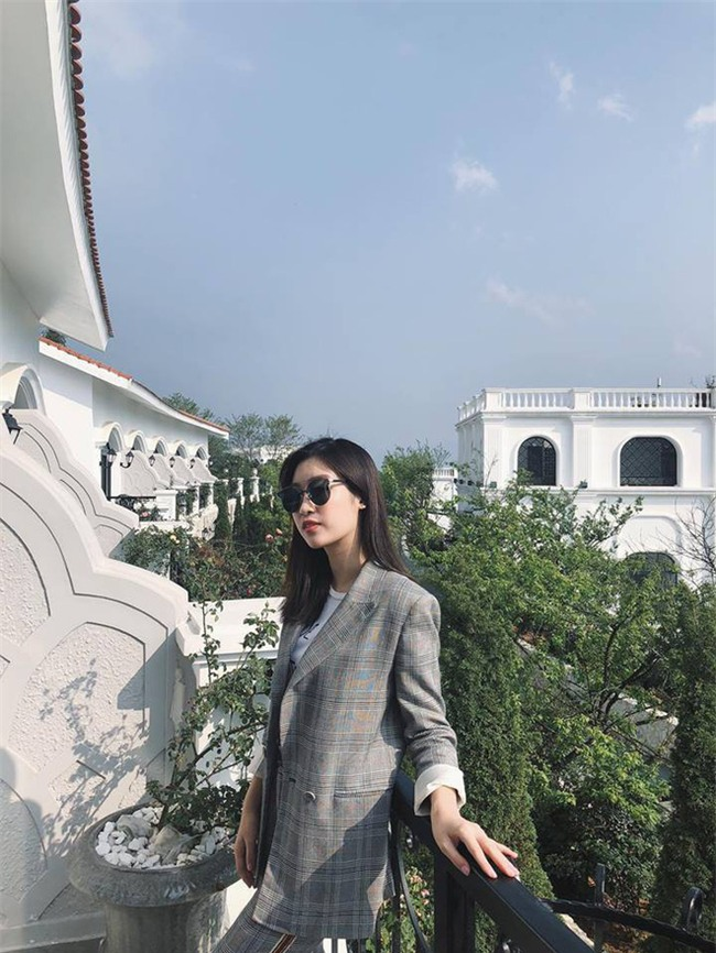 Chẳng còn hứng thú khoe street style sành điệu, Hà Hồ - Phạm Hương lại muốn xem ai lạ hơn ai - Ảnh 11.