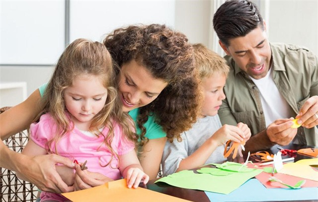 Mối liên kết giữa bố mẹ và con cái mạnh mẽ đến nỗi có thể vượt lên nỗi sợ hãi.
