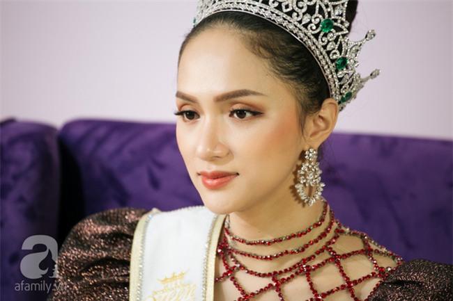 Hoa hậu Hương Giang lần đầu nói về tin đồn chia tay Criss Lai vì không sinh được con - Ảnh 2.