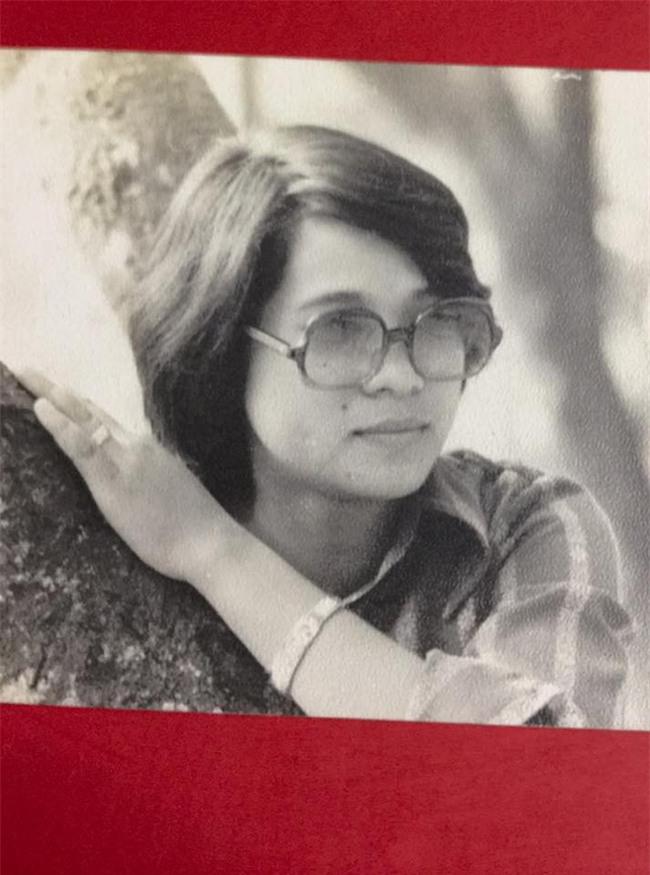 Loạt ảnh thời trẻ của diễn viên hài Minh Vượng: Vóc dáng mảnh mai, ăn mặc sexy - Ảnh 3.