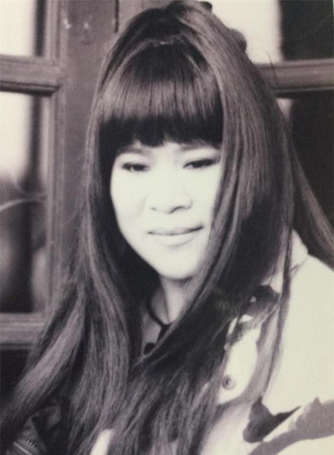 Loạt ảnh thời trẻ của diễn viên hài Minh Vượng: Vóc dáng mảnh mai, ăn mặc sexy - Ảnh 4.