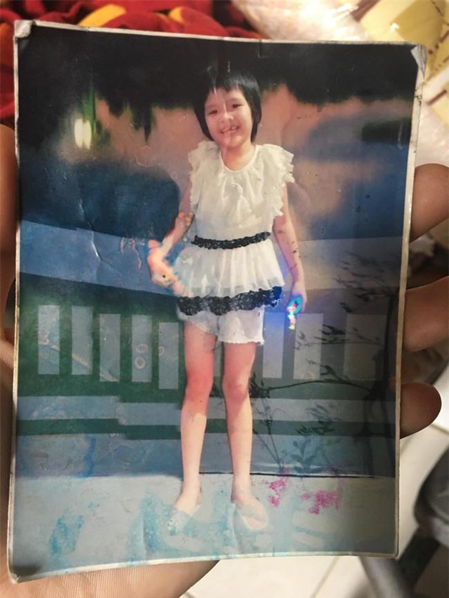 Lạc bé gái 8 tuổi đêm 26 Tết, gần hai tháng trời đôi vợ chồng trẻ ngược xuôi tìm con trong vô vọng - Ảnh 2.
