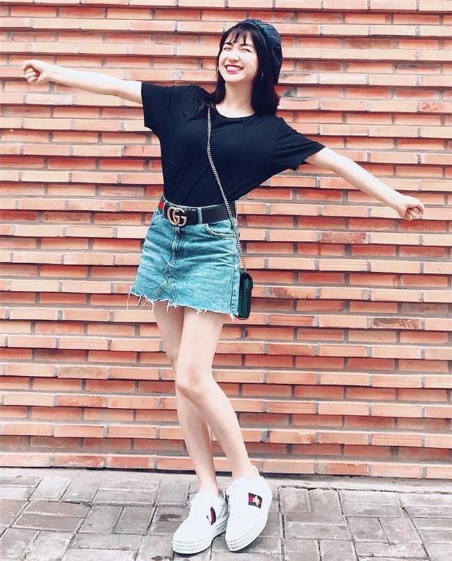 Giảm cân rồi đổi luôn cả phong cách, Hòa Minzy giờ đẹp và sành điệu nào có thua ai - Ảnh 9.