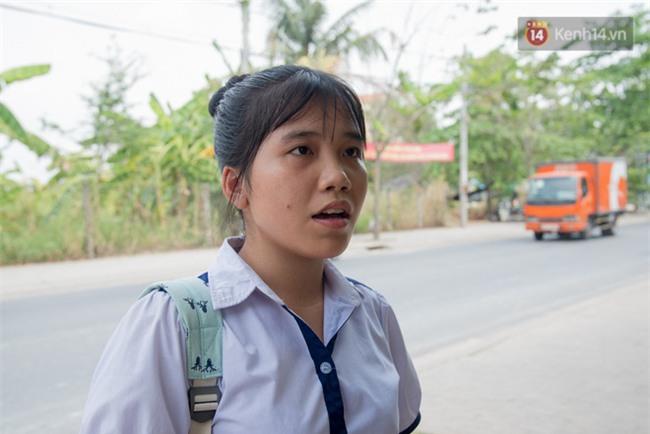Học sinh trường Long Thới nói về cô giáo im lặng: Tụi em rất bất ngờ, vì cô có nghiêm khắc nhưng dạy tốt và tận tụy - Ảnh 6.