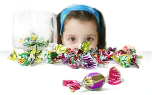 5 quan niệm sai lầm khiến trẻ bị hỏng răng ngay từ nhỏ, các bậc cha mẹ cần chú ý - Ảnh 3.
