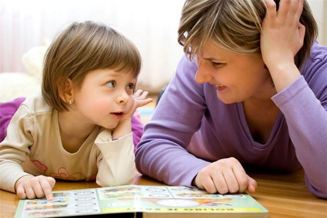 Hãy dạy con biết tự lập từ sớm bằng việc thường xuyên nói 3 câu này - Ảnh 1.