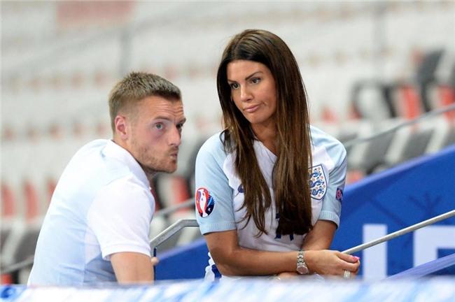 Dàn mỹ nhân WAGs tuyển Anh lo lắng trước thềm World Cup vì bị bỏ rơi - Ảnh 4.