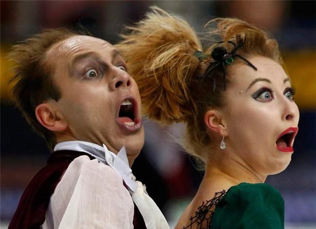 Những biểu cảm 'khó đỡ' trong môn trượt băng nghệ thuật trên Thế Giới - Ảnh 1.