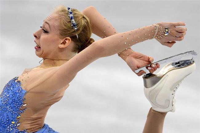 Những biểu cảm 'khó đỡ' trong môn trượt băng nghệ thuật trên Thế Giới - Ảnh 2.