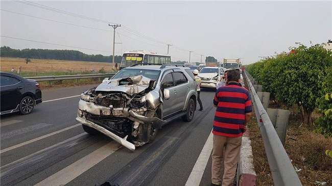 tai nạn,tông xe liên hoàn,tai nạn giao thông,tai nạn cao tốc
