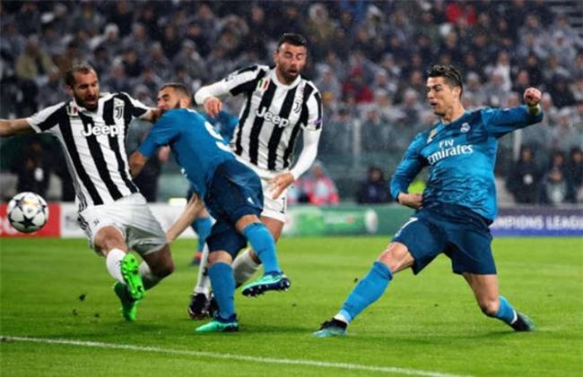Ronaldo lap cu dup, Real nhan chim Juventus tren san khach hinh anh 1