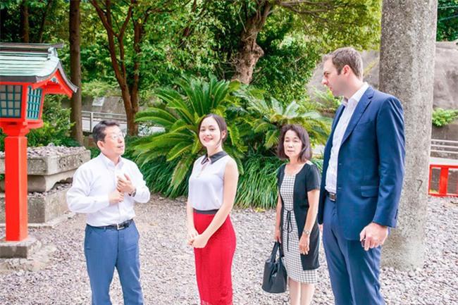 Hình ảnh Lan Phương nhỏ bé nhưng luôn hạnh phúc bên chồng Tây cao 2m - Ảnh 8.