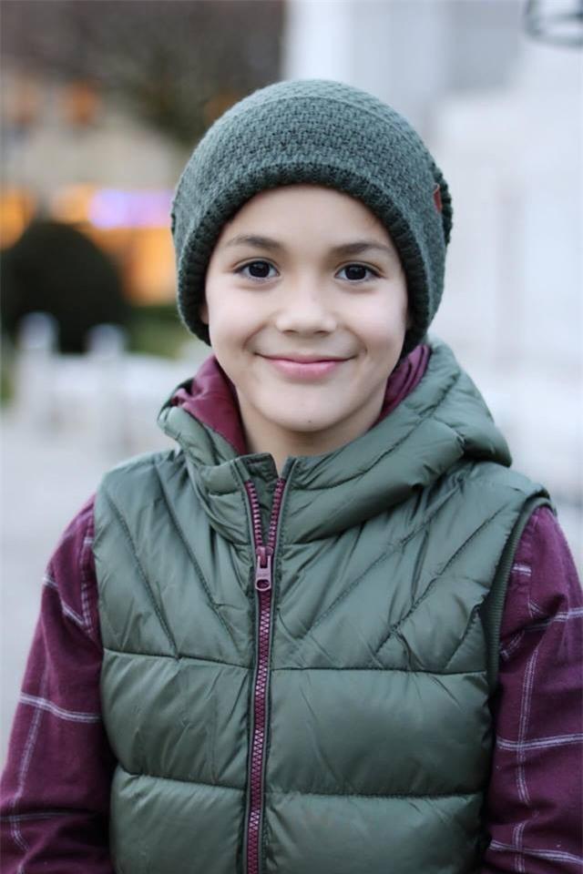 Cậu bé lai người Thái Lan gây sốt vì quá đẹp trai và được ví là David Beckham mới - Ảnh 13.