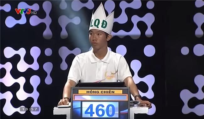 Huỳnh Nguyễn Hồng Chiến (năm 15) là thí sinh đầu tiên chạm tới số điểm kỷ lục 460 trong một trận đấu. Ảnh chụp màn hình.